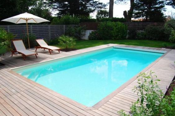 jolie piscine b ton. Black Bedroom Furniture Sets. Home Design Ideas