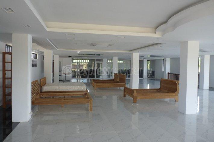 bureaux commerces location terre rouge 139 000 rupees lexpress property. Black Bedroom Furniture Sets. Home Design Ideas