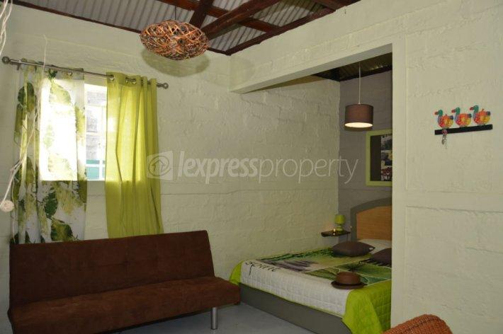 Maison villa location beau vallon 20 000 rupees for Maison 20000